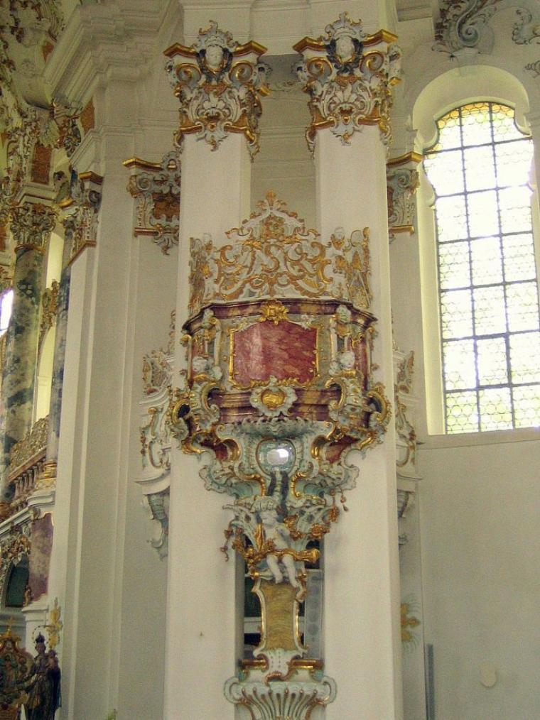 Bonjour à tous et à toutes, aujourd'hui, pour terminer la série sur la Bavière je vous emmène en voyage photos à l'église de Wies.