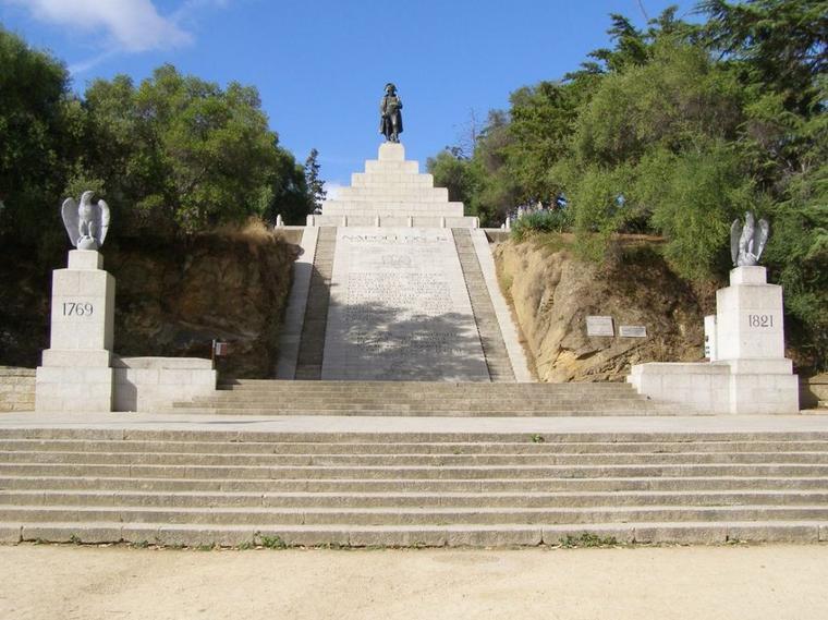 Aujourd'hui je vous propose de visiter la Corse en ce jour de journée mondiale de la Corse.