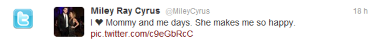 10/04/12 : Miley faisant du shopping avec sa mère, Tish à Calabasas.