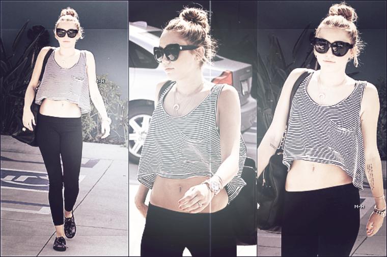 10/07/12 : Miley et son fiancé Liam allant acheter leur déjeuner à Toluca Lake.