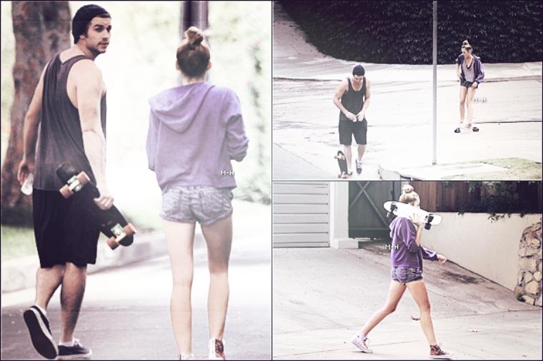 12/07/12 : Miley quittant son cours de pilate au Winsor Pilates à West Hollywood.
