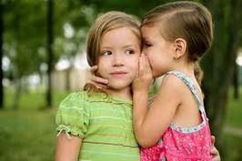 L'amour c'est beau, mais l'amitié ça compte aussi.