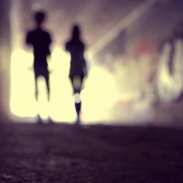 Parfois il est plus facile de faire semblant d'être heureux plutôt que de devoir expliquer pourquoi vous ne l'êtes pas.♥