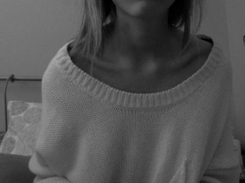 """"""" Elle ne savait pas que l'Enfer, c'était l'absence."""" Verlaine"""
