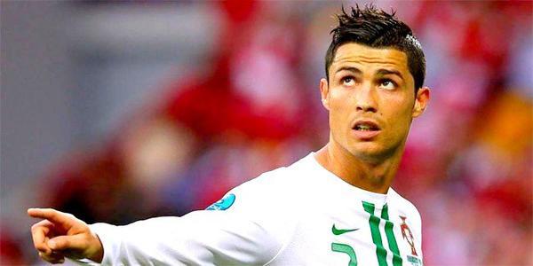 Il est le premier, le deuxieme et le troisieme meilleur joueur du monde ! ♥