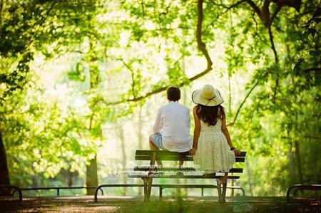 « L'amitié est lente à mûrir, et la vie si rapide. L'amitié est une fleur que le vent couche et trop souvent déracine. »