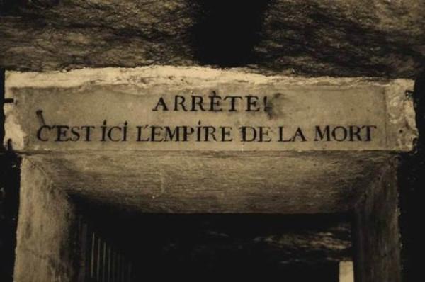 ___________    «Elle n'était jamais réellement née, voilà ce qu'elle avait.»  Samuel Beckett  ___________