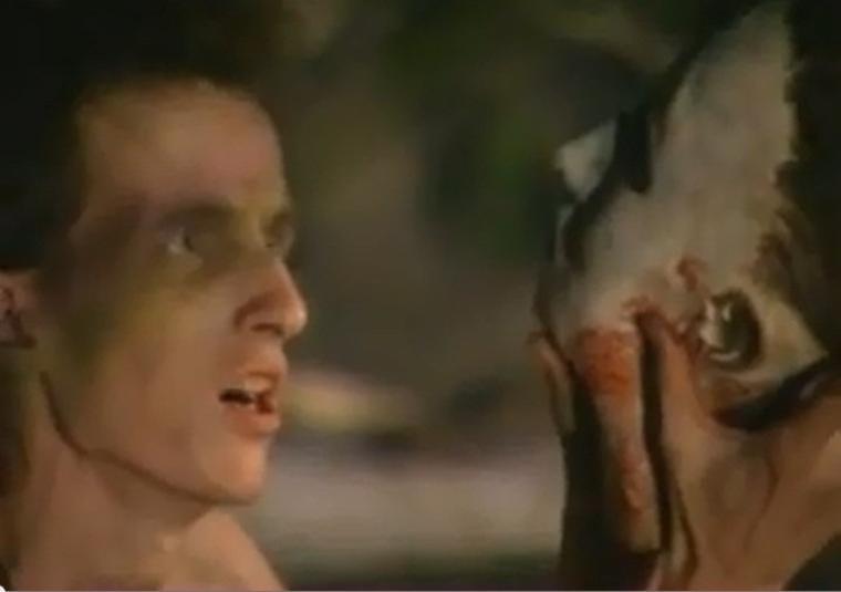Halloween 5 : La véritable origine du tatouage au poignet de Myers*