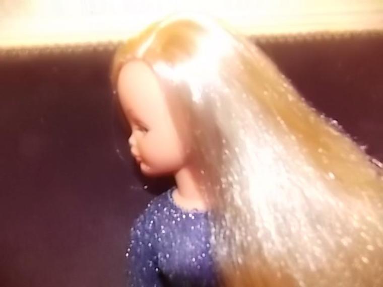 j'ai joue a la coiffeuse!