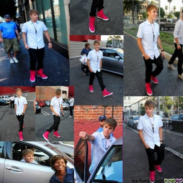 11.08.2011  ♥ Justin Au Restaurant 'Katsuya' + Photos Instagram