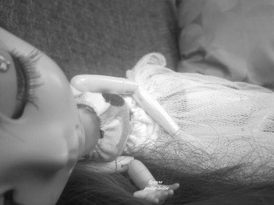 L'amour naît d'un regard, vit d'un baiser, et meurt d'une larme