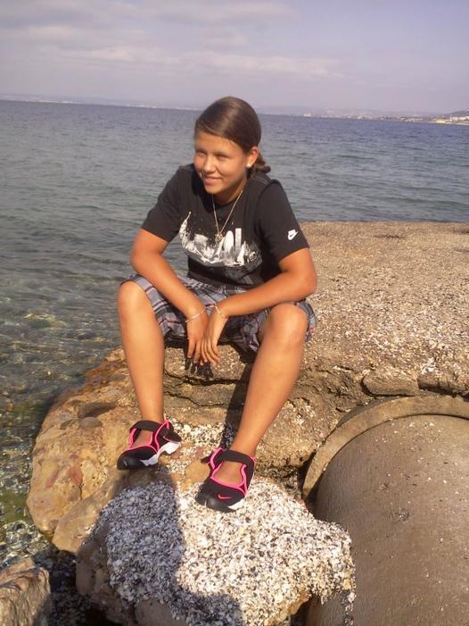 Faacebook : Baaby Juulie ... :) <3
