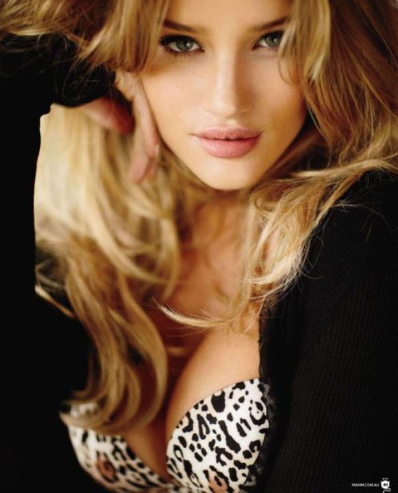Rosie Huntington-Whiteley la top des tops !