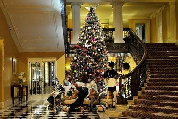 Le sapin de Noel Lanvin pour le Claridge Hotel de Londres