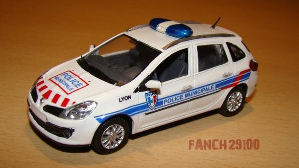 Renault Clio Estate 1:43 POLICE MUNICIPALE