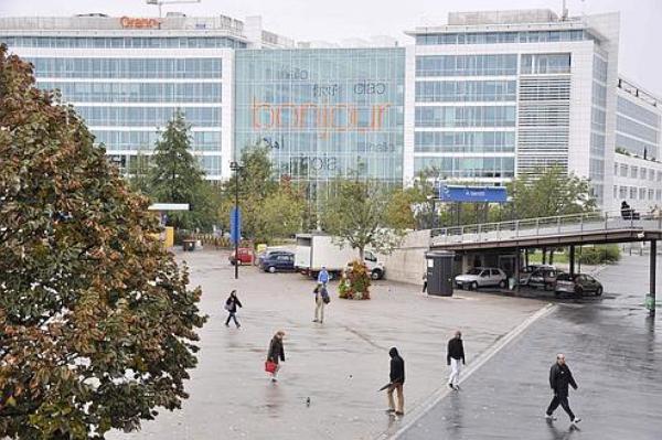 Orange :             les cadres ne veulent plus travailler           à         Saint-Denis
