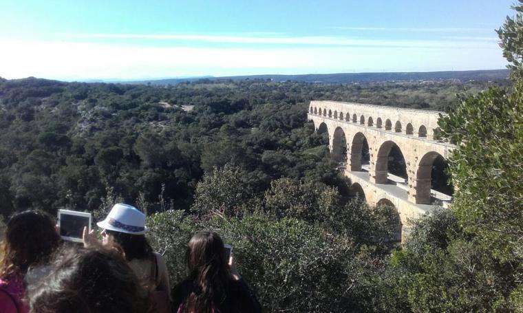 Aqueduc ou le pont du gard