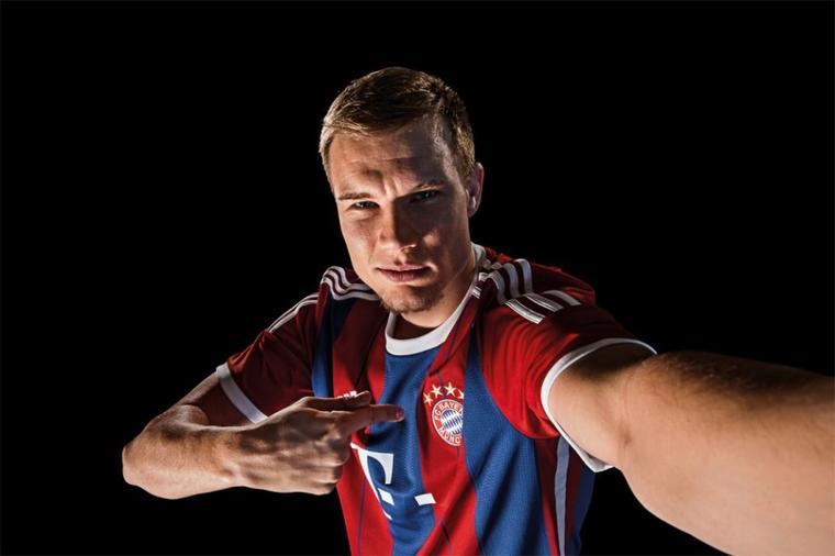 Holger pour le maillot 2014-2015