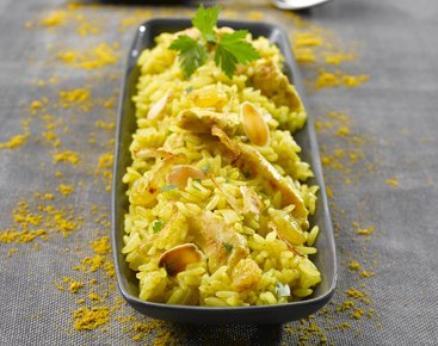 Riz sauté au poulet et curry