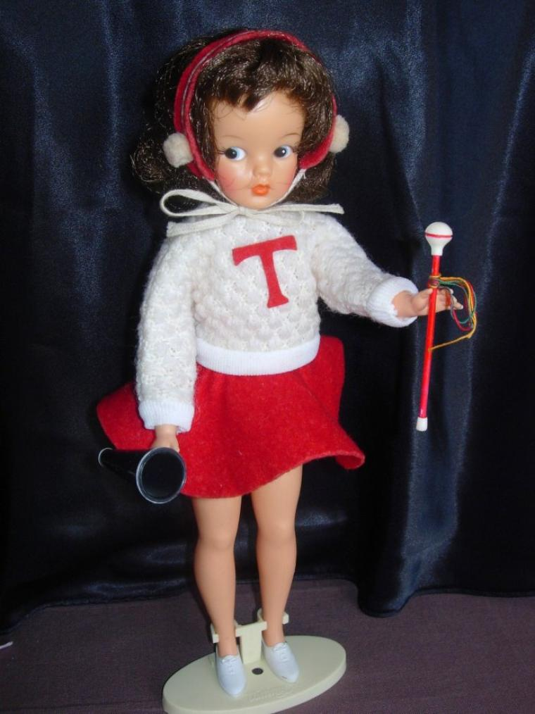 "TAMMY DOLL IDEAL TOYS ""CHEELEADER OUTFIT"""