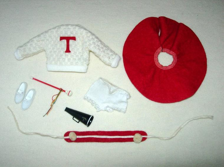 """TAMMY DOLL IDEAL TOYS """"CHEELEADER OUTFIT"""""""