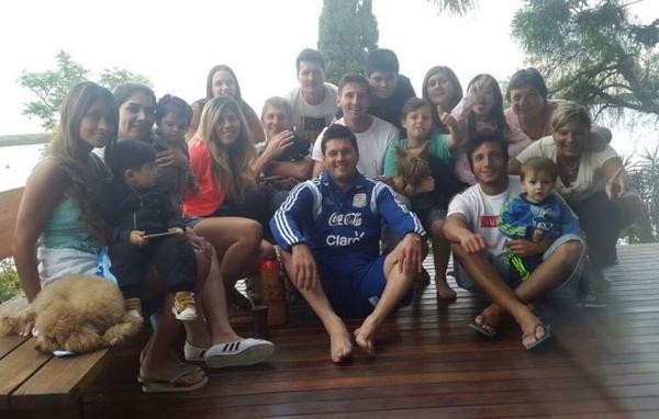 Lionel Messi & toute sa famille pour les fêtes de noel
