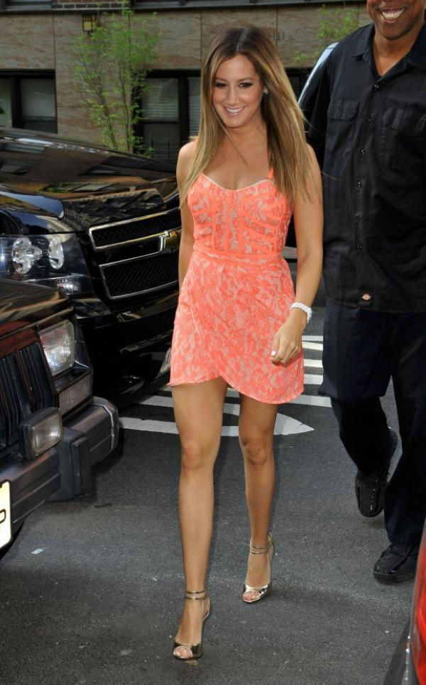 LES LOOKS D'ASHLEY TISDALE SUR TENDANCEPEOPLE