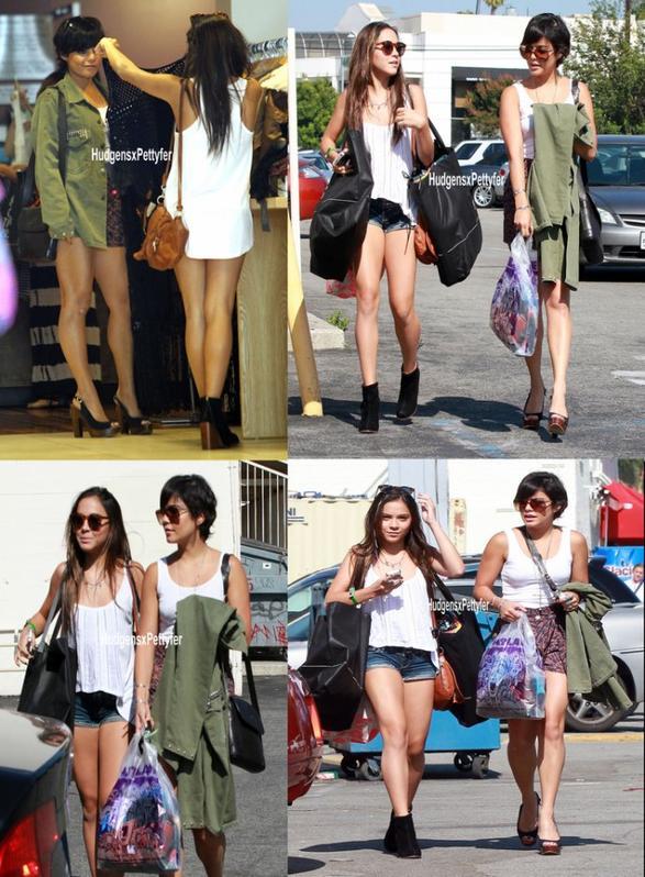 Tuesday, August 9th ; Vanessa & Stella ont été aperçues faisant du shopping dans LA