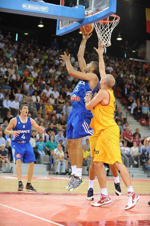 La France (basket) gagne son premier match !
