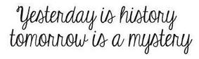 ♔ La vie est un cadeau dont je défais les ficelles chaque matin.