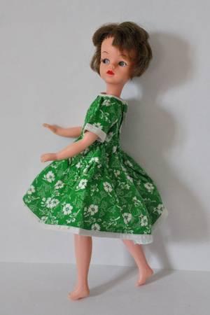 ma jolie solariane avec une robe époque 60