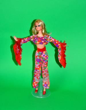 petit florilège le monde Barbie en mod pop  pour le week-end , avec des surprises pour la semaine prochaine ..