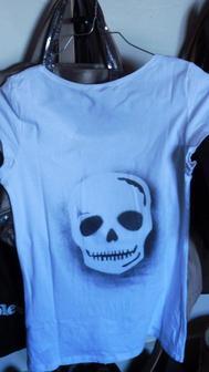 t shirt blanc motif tête de mort