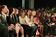 Lana Del Rey a participé à la marque du défilé Mulberry au cours de la London Fashion Week. D'autres célébrités qui ont assisté à l'événement ont été Michelle Williams, Elizabeth Olsen et Pixie Geldof.