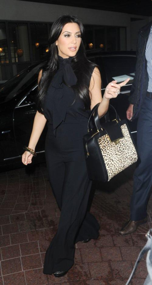Kim arriving at the Soho Hotel in London (06/08)