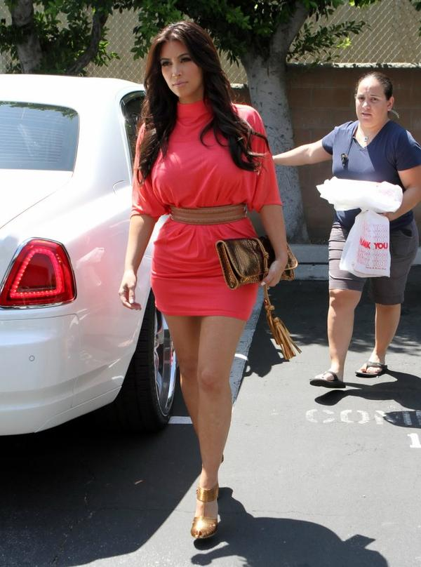 Kim out and about in L.A (08/09)