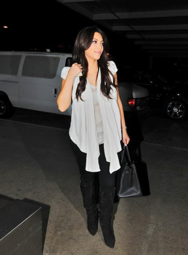 Kim gets ready to depart LAX (08/09)