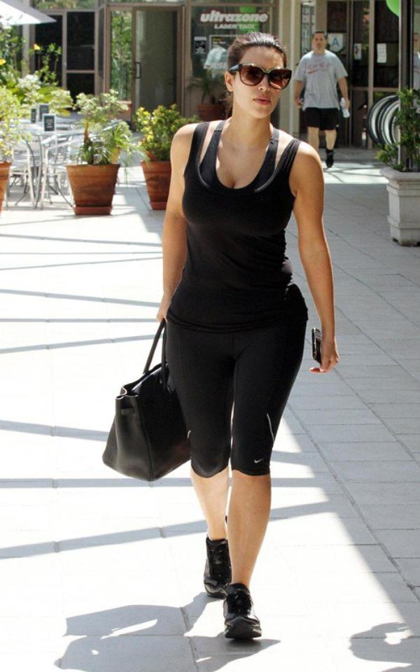 Kim out at the gym in Los Angeles (08/14)