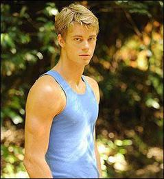 Will Benjamin (Luke Mitchell)