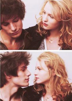 """"""" Je l'aime, je l'aime, je l'aime """" LOL."""
