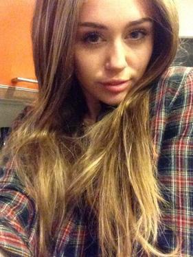 Article spécial Kings of Suburbia + quelques infos musicales de Miley,Selena et Demi :)