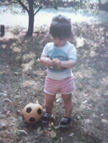 # L'enfance est magique de par son innoncence c'est tout. Retirer lui seulement cela et elle perdra tout son côté féérique.