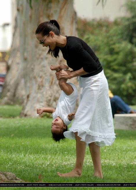 Angelina Jolie émue, elle dédie son dernier film à son fils Maddox
