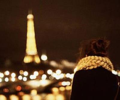 Le temps passe, les choses changent, les gens nous font sourire et nous décoivent, parfois on continue sans y prêter attention, mais au fond, on oublie rien, on sourit en disant que tout va bien. ♥