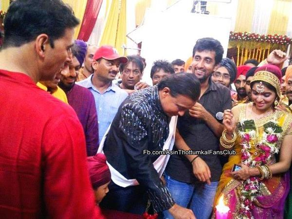 Unseen!Asin on the sets of khiladi786