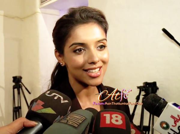 ▬▬► Asin  feels like newcomer in Bollywood.