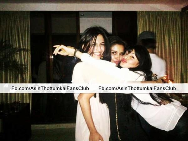★Sonam, Asin and Jacqueline's girls' night out.★