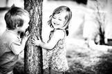 De mon enfance il me reste, des souvenir gravés et des photos décolorés