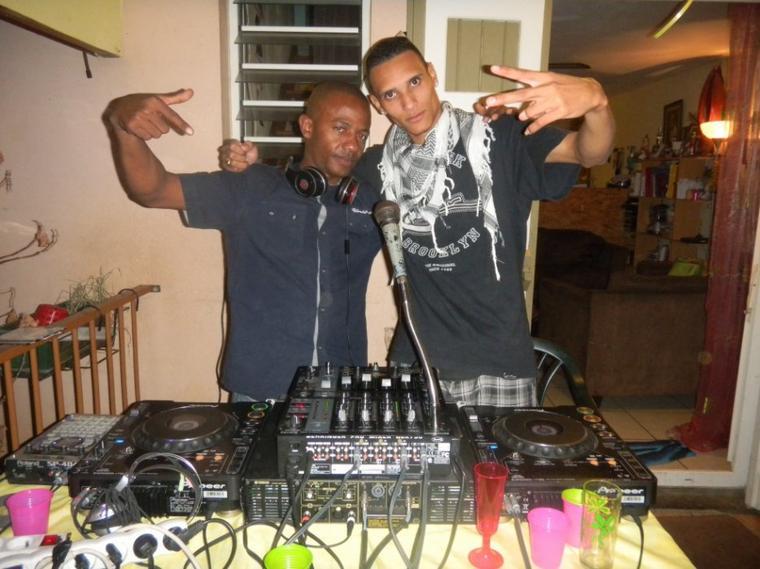 DJ CHRIST ET MOI DJ DJEX LE 17/06/2011 AU PORT REUNION