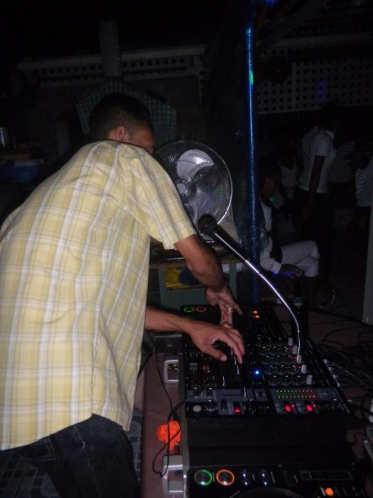 << le 07/05/2011 DJ CHRIST au chow mix >>